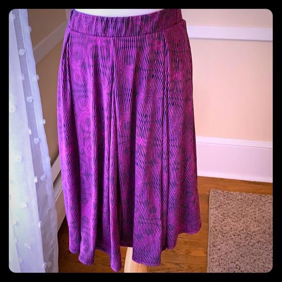LuLaRoe Dresses & Skirts - LuLaRoe Madison Skirt in Medium EUC